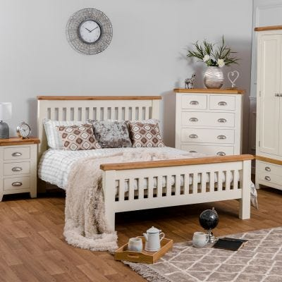 Hampshire Ivory Painted Oak King Size Bed Frame High Foot End